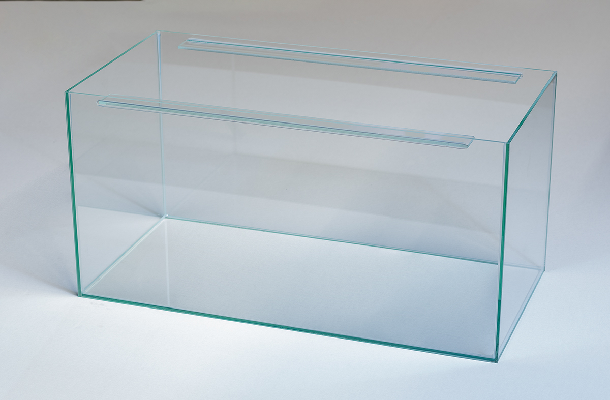 Traversen-Aquarium transparent